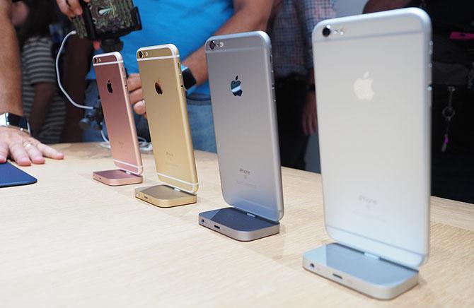 Apple đã chính thức trình làng bộ đôi iPhone mới nhất của hãng, với tên gọi iPhone 6S và iPhone 6S Plus